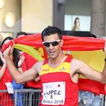 Men - 20 km - Miguel Angel Lopez celebrates the victory (by Philipp Pohle - GER)