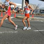 Men 20 km - Suzuki (1) leads in front of Takahashi (2)