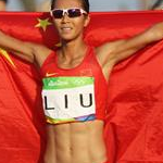 20 km women - Liu Hong after the victory (by Bryn Lennon - Getty Images South America)